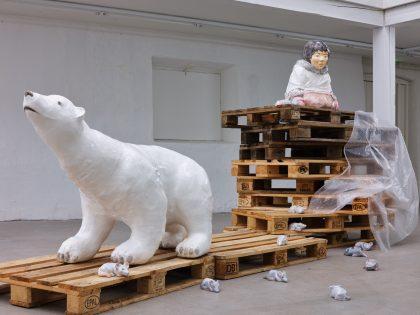 Billedreportage fra en nedlukket udstilling: Maria og Natalia Petschatnikov: fragile – Viborg Kunsthal