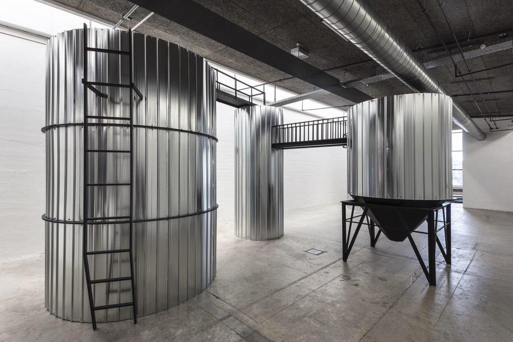 Anna Borgman: Think Tanks, 2020. Foto: Niels Fabæk.