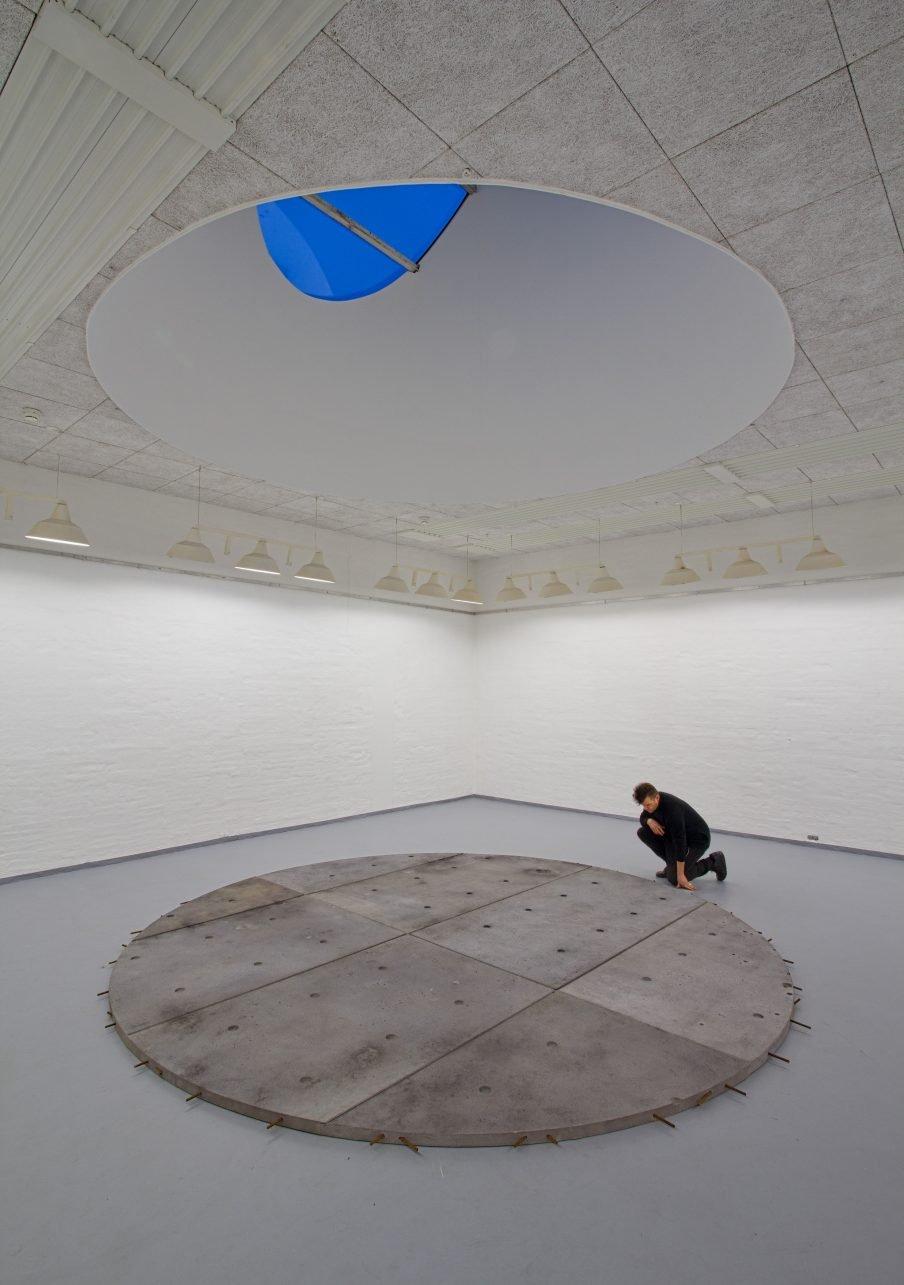 Mikkel Carl om Nothing Lasts, But Nothing Dies – en udstilling du ikke kan se
