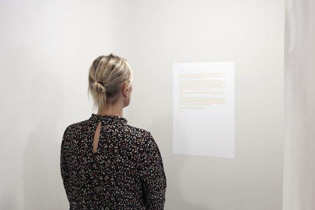 Hannah Lutz, Selini Halvadaki og Calder Harben: Chorus, Redigeret uddrag fra brevudveksling sommer 2020, 2021. Foto: Kevin Malcolm.
