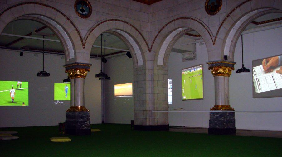 Harun Farocki: Deep Play installation view, 2008. Nasjonalmuseet for kunst, arkitektur og design Oslo. Photo: Gavin Jantjes.