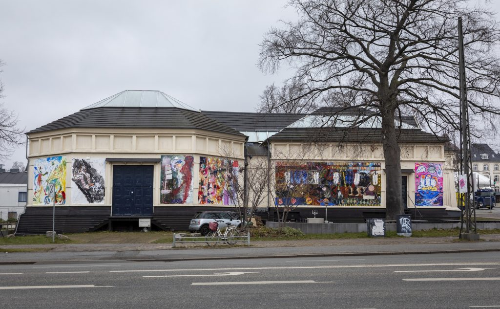 Koloristerne: Out of Space. Farverig manifestation på Den Frie Udstillingsbygning, 2020. Foto: Malle Madsen.