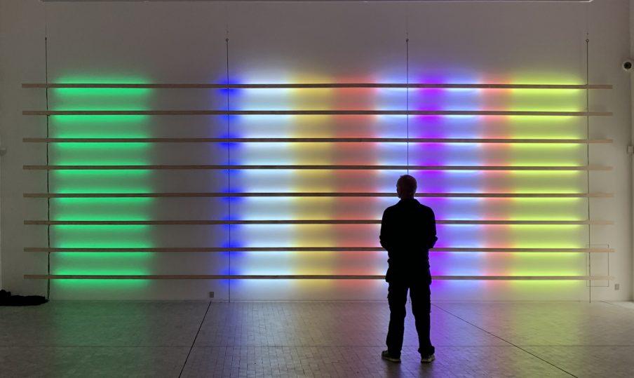 """Hans E Madsen: """"Folk fascineres, tiltrækkes og samles om lys"""""""