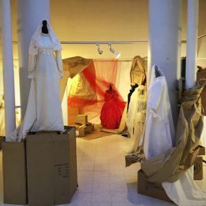 Wedding Day – En dragtudstilling af Pauli Tvilling med brudekjoler gennem 200 år
