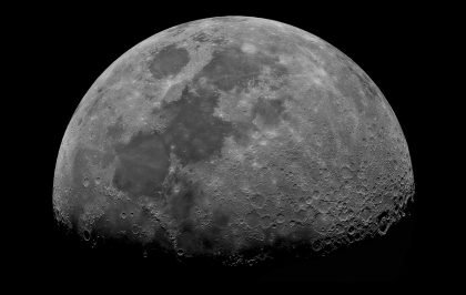 Rundt om Månen