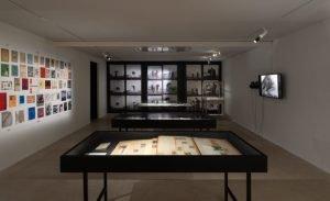 (OBS Udstillingen er fortsat lukket) Strejftog i arkivet: udstillingshistorier fra Den Frie