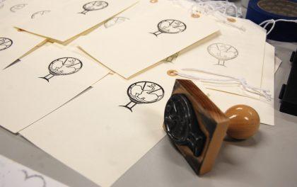 Designelever skaber udstilling om Holmegaard